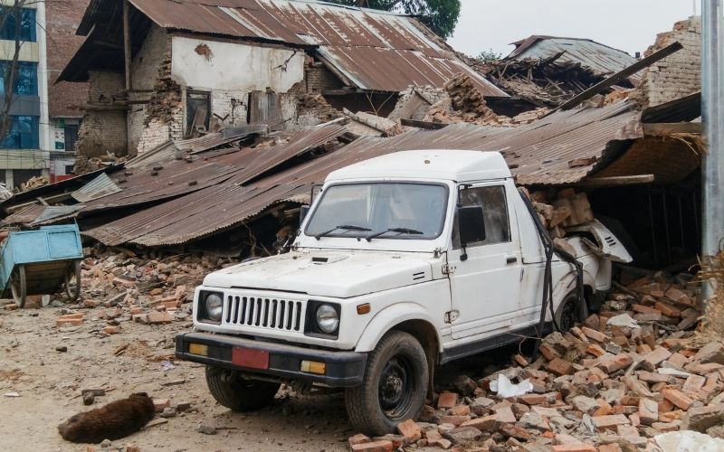 reclamar al seguro por danos coche por terremoto